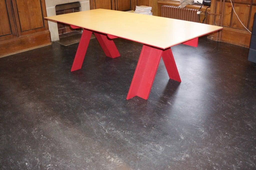 Tisch Johanna